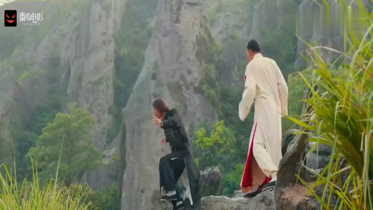 道士下山:意境中也能伤人?张震和元华两大高手对决,气场太强!