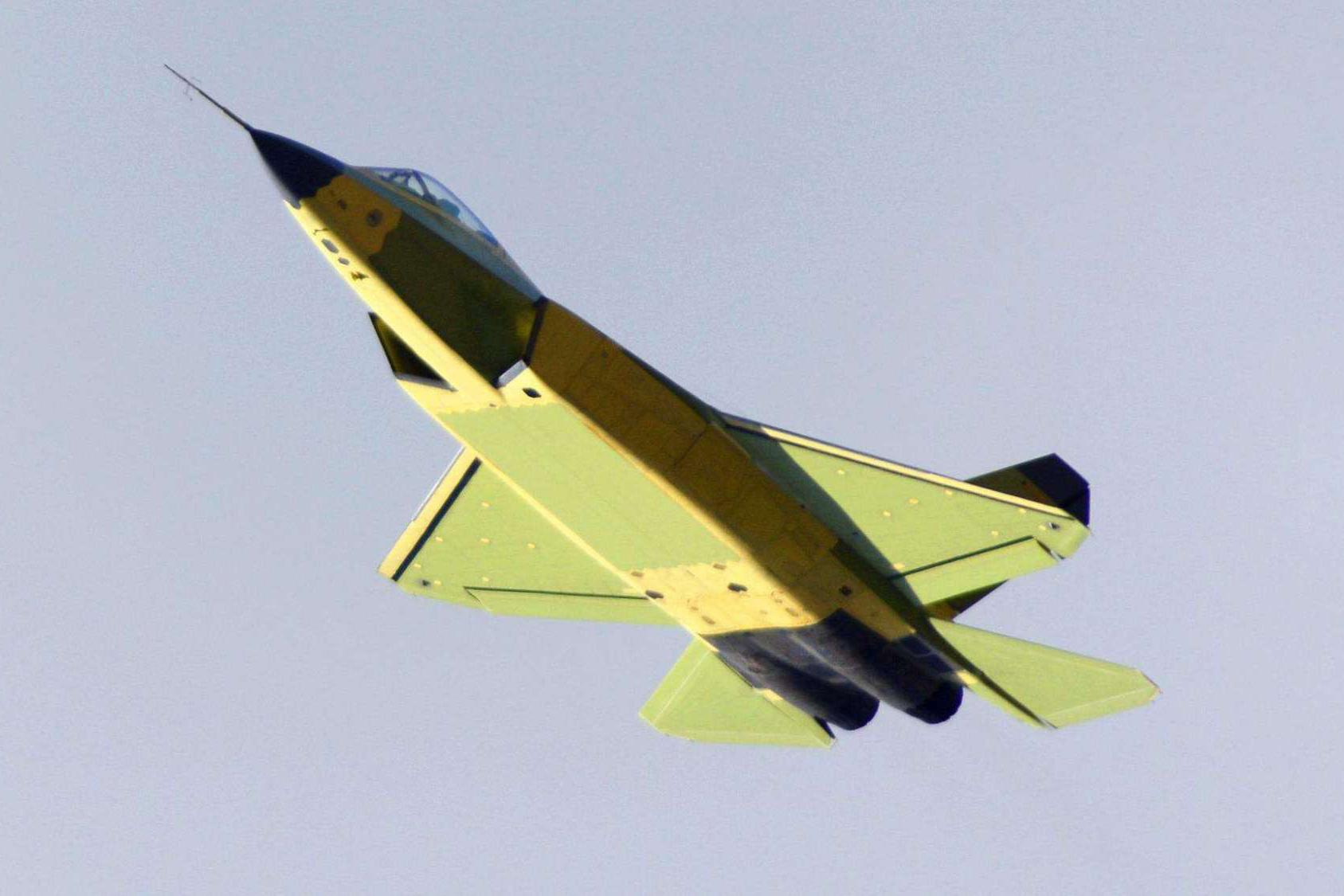 美军F-35兵临伊朗城下,FC-31成救命稻草,单机价格最少1亿美元