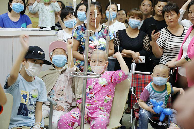 孩子应富养、要啥就给买啥?错!潍坊8岁女孩因父母娇惯患白血病