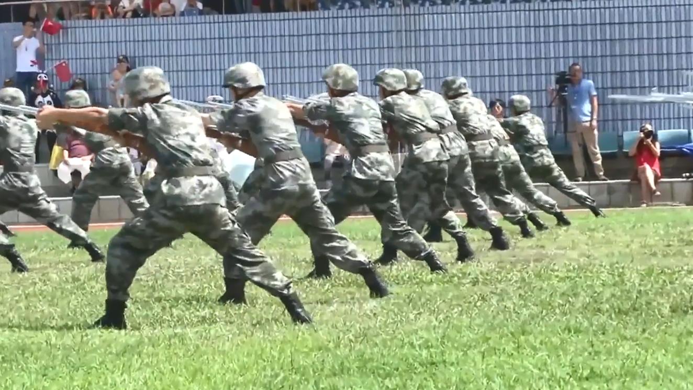 回忆香港回归20周年,解放军战士表演刺杀操,动作连贯气势十足!