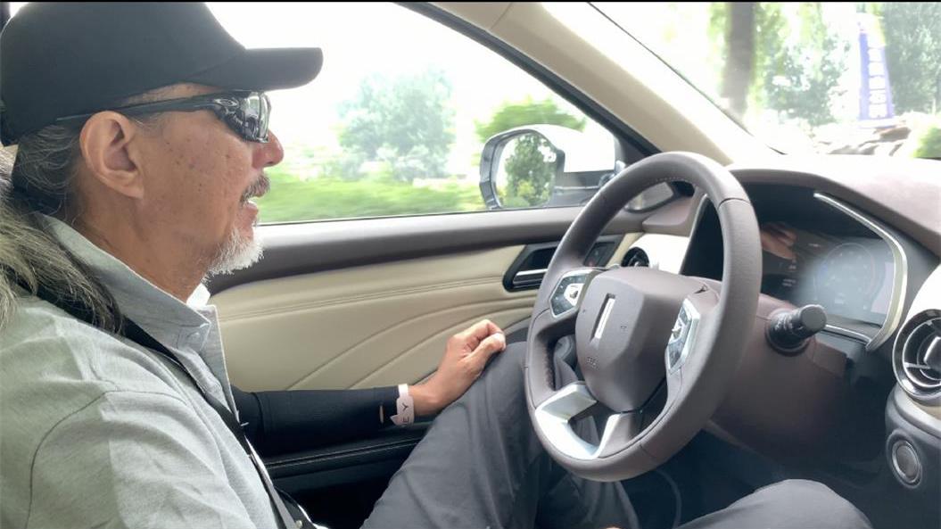 车手奇葩测_SUV害怕的麋鹿测试 看改款新魏派VV6如何通过