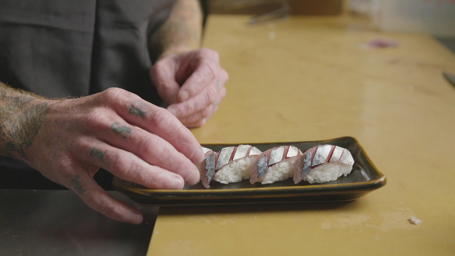 厨师生卤挪威青花鱼,做超鲜醋腌日本特色鲭鱼寿司!