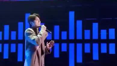 周华健、阿云嘎合唱的《飘洋过海来看你》,合音太心醉了!