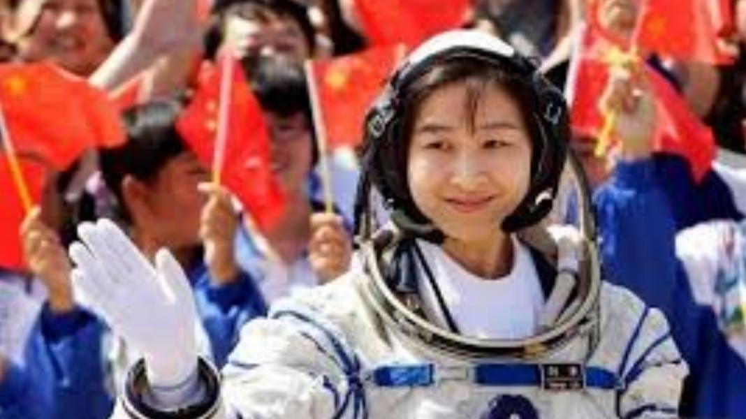宇航员在返回地球后,为何不能生小孩?女宇航员道出其中酸楚