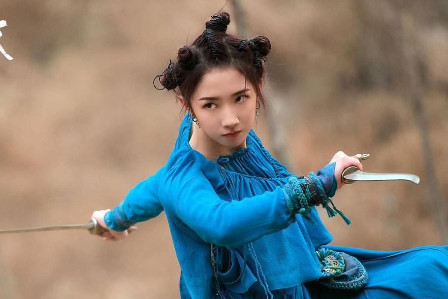 《诛仙》被官媒再次点评,孟美岐演技遭痛批,网友还扒出使用替身