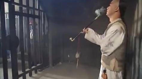 铁齿铜牙纪晓岚:地方官真会拍马屁,和珅让纪晓岚抽烟!