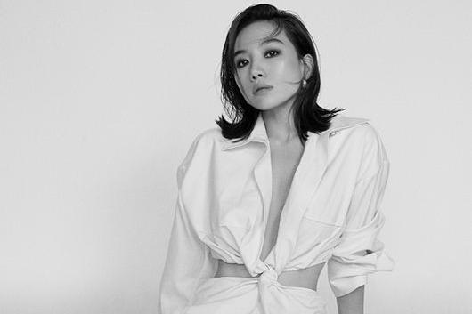 韩国女艺人崔熙瑞最新杂志写真曝光