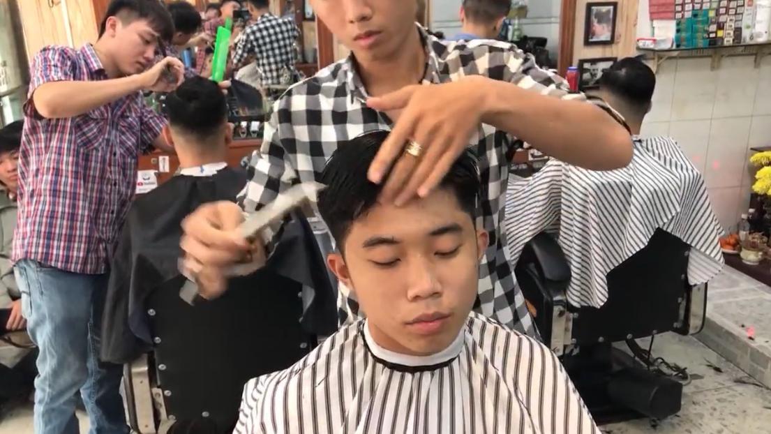 小小美发店,剪专业渐变油头,这技术一定也不含糊