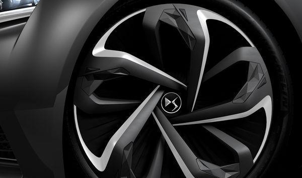 DS巴黎车展发布全新概念车DS神韵, 造型十分时尚