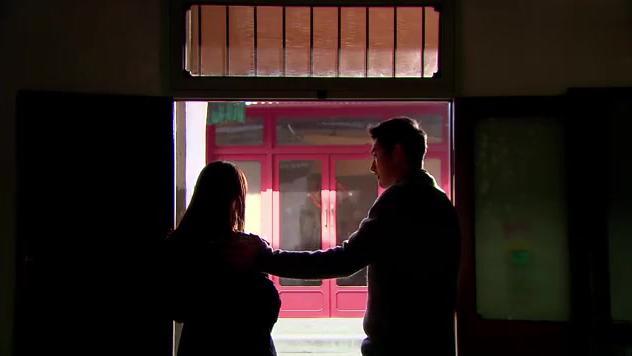 遇见王沥川:爸爸去世后,弟弟小冬霸气告白:姐,以后我保护你!