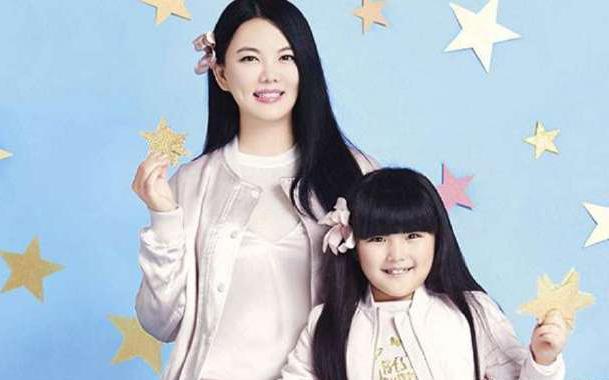 本以为李湘是真正的富养女,但看完刘涛女儿的生活后,差距太大!
