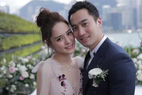 钟欣潼迎来39岁生日,蔡卓妍宋祖儿为好友庆生,羡慕三人的闺蜜情