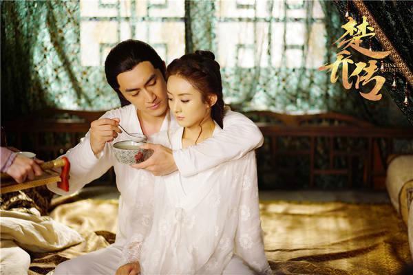 酷爱吃辣条打游戏,做过书模,经历过雪藏,29岁搭档赵丽颖走红
