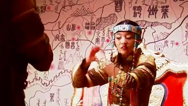 赵敏太会拍马屁了,几句话把汝阳王捧上天,女儿当得称职