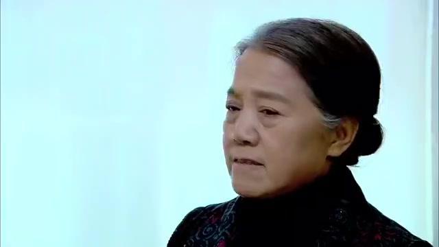 别逼我结婚第2集:发觉凤梅很像自己的妻子,江父问儿其身份