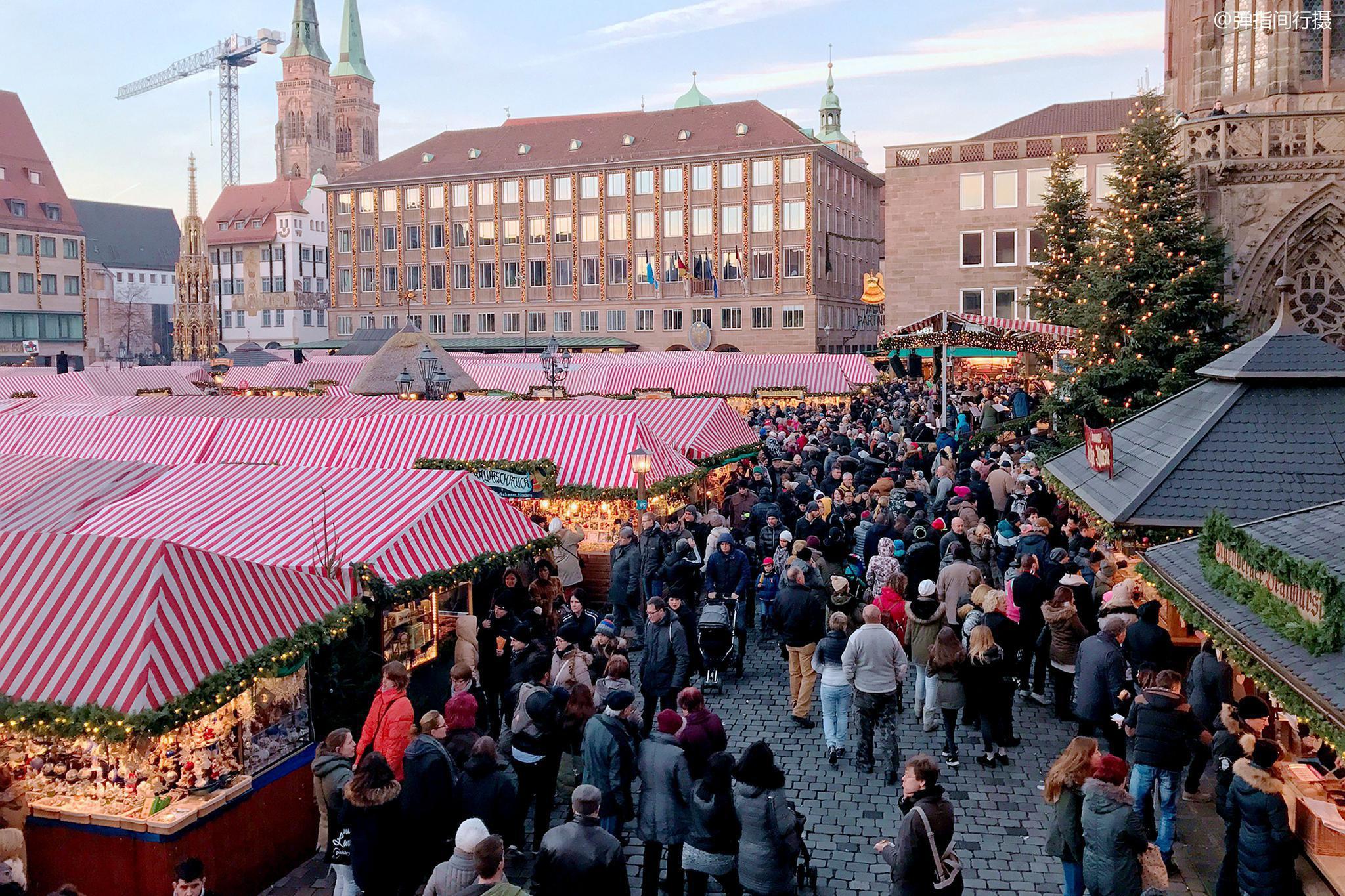 """德国最古老的圣诞集市,每年200万人参加,民众集体""""逛街淘宝"""""""