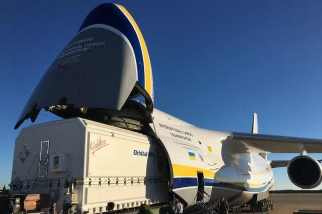 """传奇的诞生:走近俄罗斯安124""""鲁斯兰""""超重型运输机"""