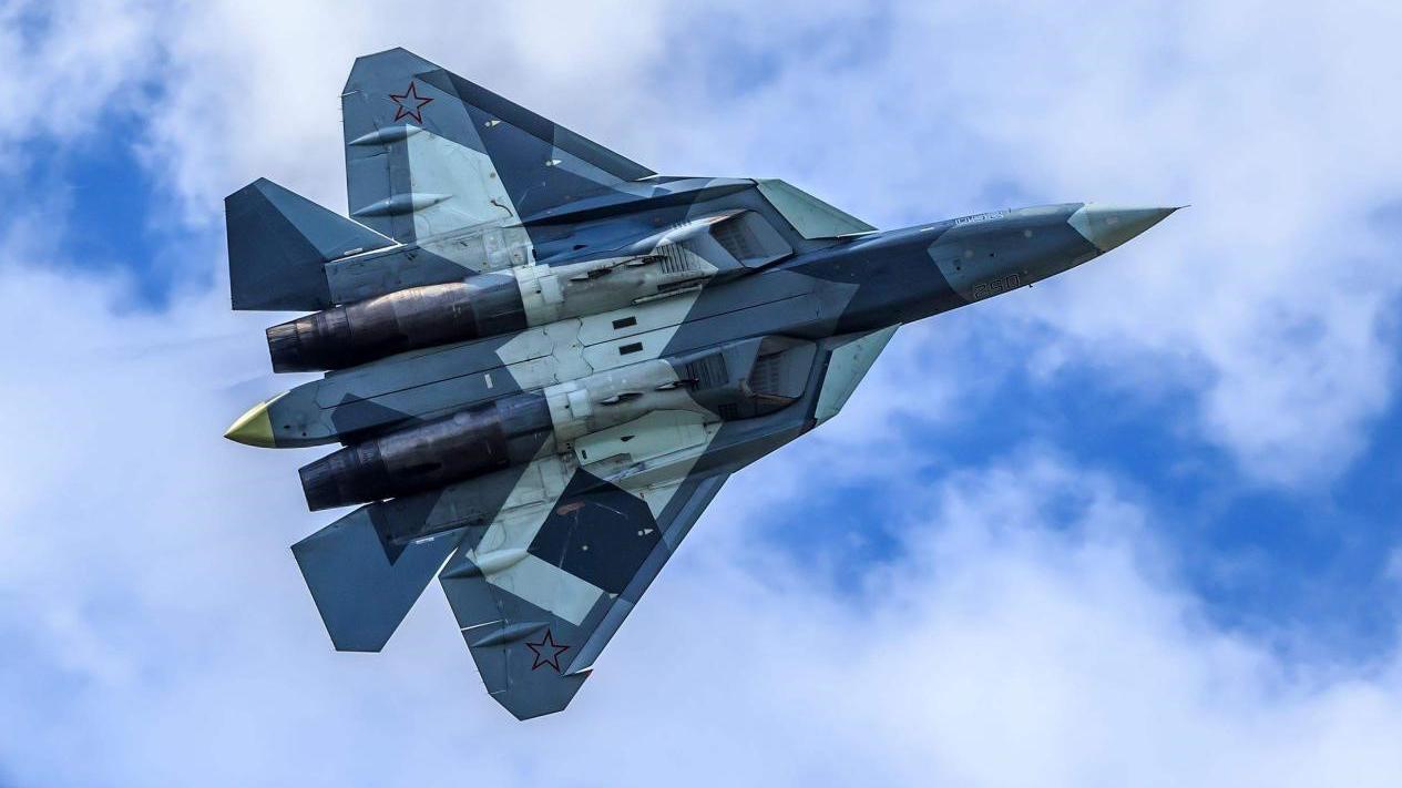 苏57的唯一客户,俄罗斯采购76架自用版,单价只需要3500万美元