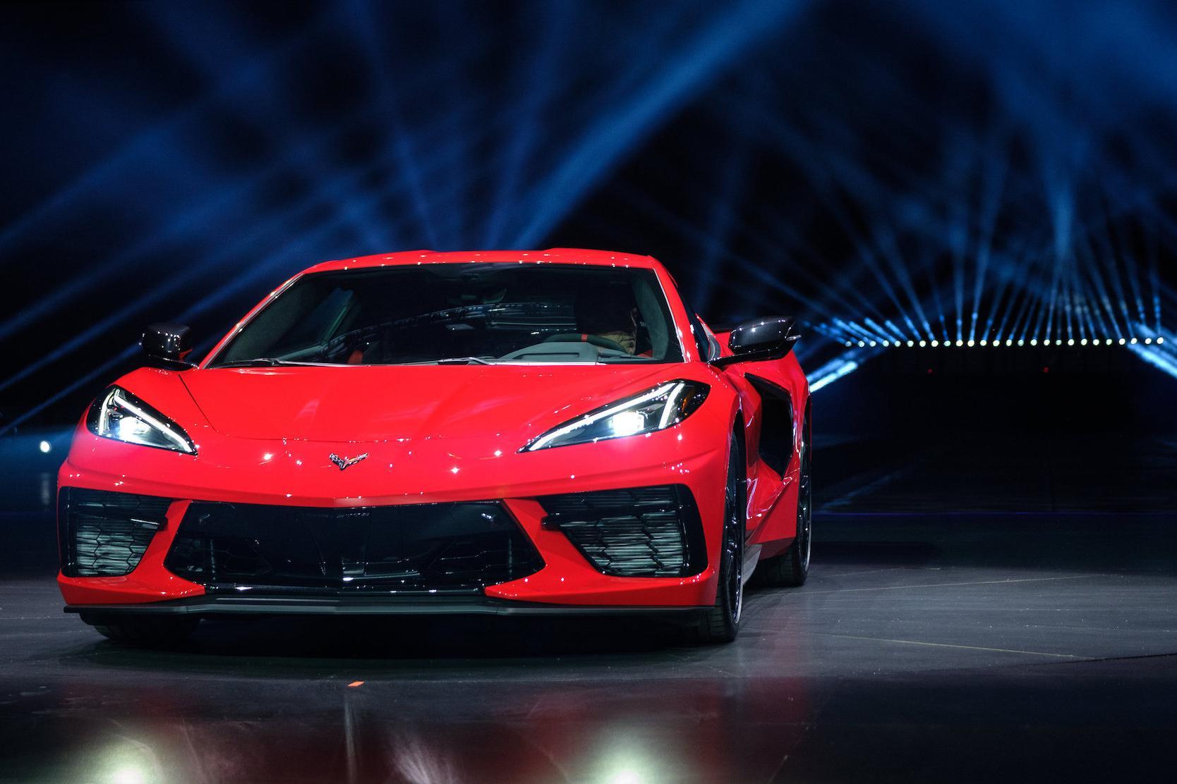 天天播报   中置后驱米国法拉利,雪佛兰Corvette C8发布