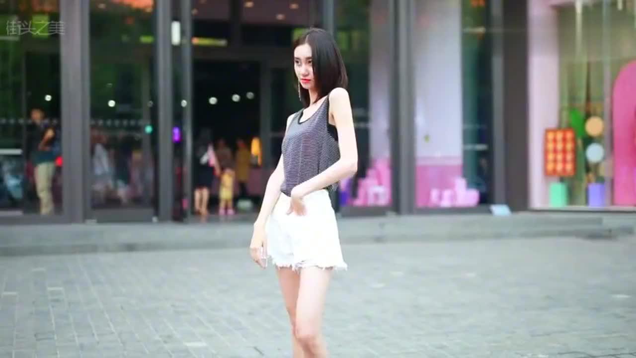 瘦瘦高高的女孩子,真的天生是衣架子