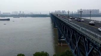 问题来了!武汉长江大桥,南京长江大桥,两座大桥谁是长江第一桥