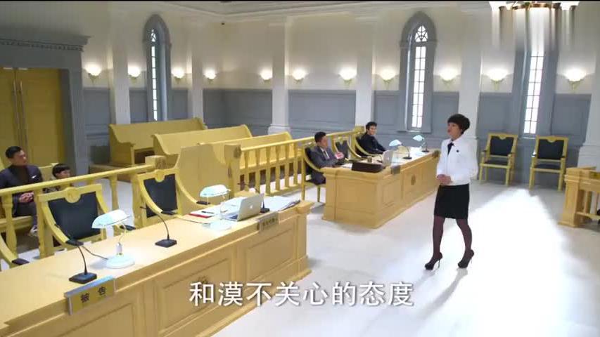 儿子遭受冷暴力,亲妈直接把后妈告上法庭,怼到她崩溃哭