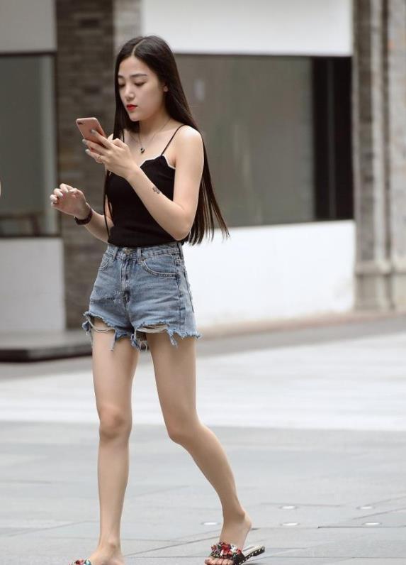 2019美女城市排行榜_北影学霸校花李依伊生活照曝光 似神经质般的女汉