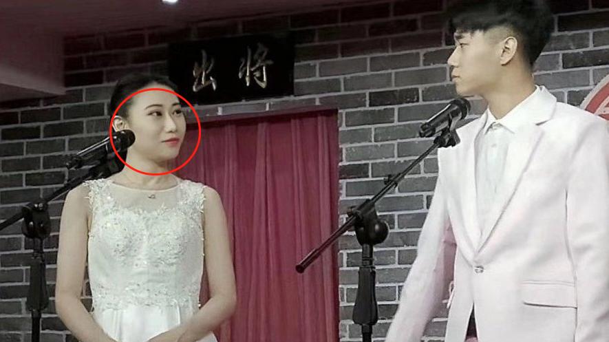 女相声演员王小遒,殴打搭档被开除本人,霸气回应:揍他没毛病!