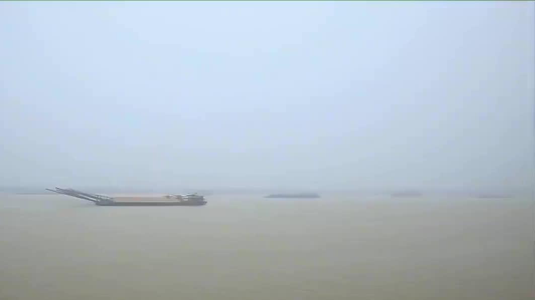 长沙铜官窑大名鼎鼎,铜官古镇的十里河滨,自古便是窑火通红