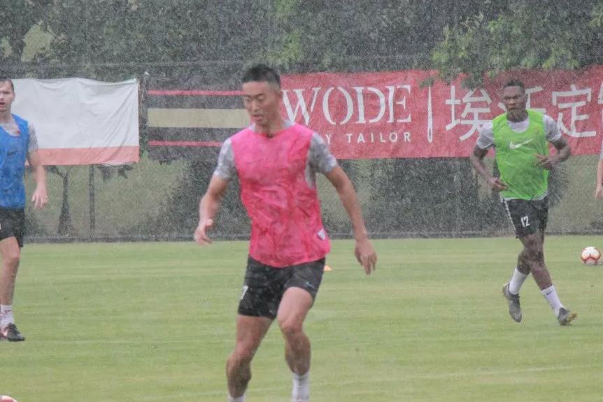 深圳佳兆业全体球员重新集结备战联赛,一切都是为了深足保级