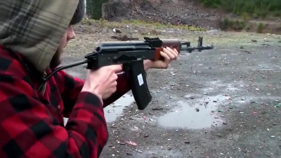 枪械百科:波兰版AK74,昙花一现的WZ88Tantal突击步枪