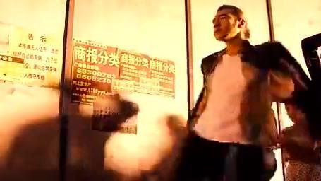 摆渡人:金城武真是自带BGM,走路都是带风的!