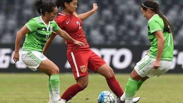中国球员女足亚冠第一球!苏宁VS墨尔本比赛中,唐佳丽内切破门