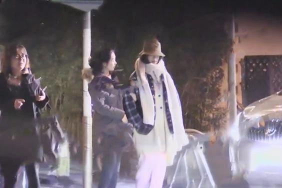 """倪妮陈坤否认""""同居""""称是兄妹而已,曾被爆共处一室一夜未出"""