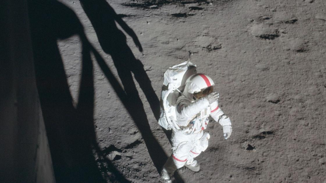 月球上到底有什么让中国登月计划取消美国宣布再也不登月