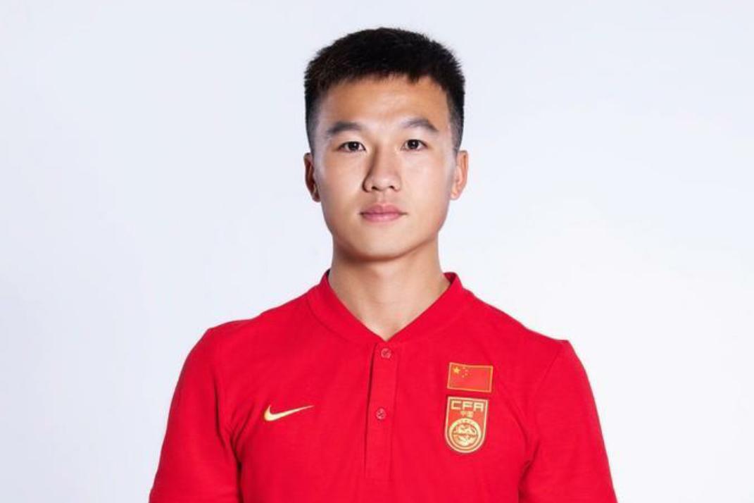 今天是国足球员姚均晟的生日,国足官方送上生日祝福