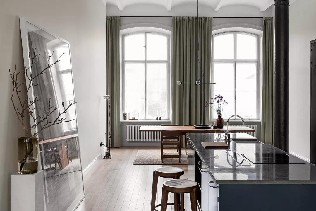 装修公司案例|斯德哥尔摩旧校舍改造为阳光公寓,用细节致敬岁月