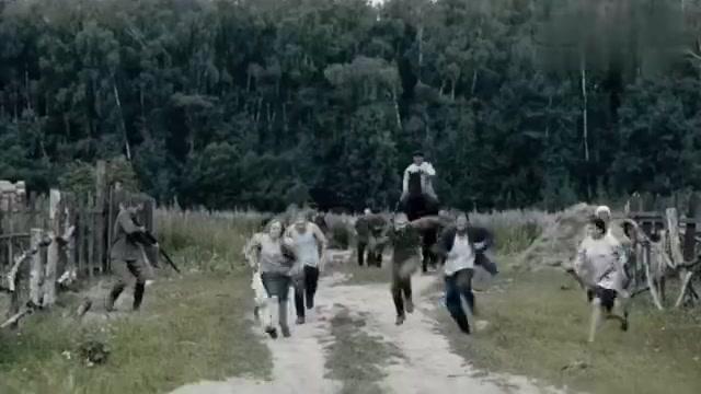 一部俄罗斯战争电影,德军装甲部队大举入侵,机枪手舍身反击!