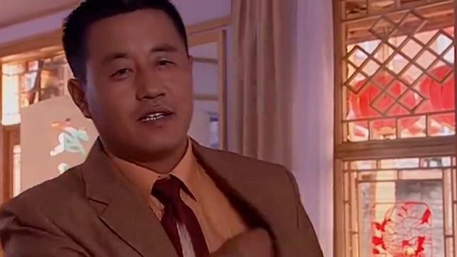 龙泉山庄和凤舞山庄打官司,结果龙泉山庄败诉,刘老根一脸失望