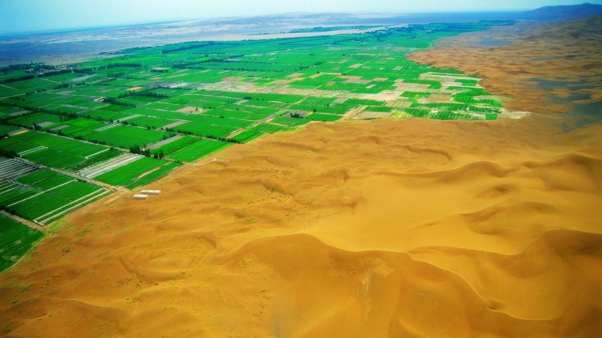 美国卫星经过中国上空拍摄照片后,发现一个现象,感叹:世界奇迹