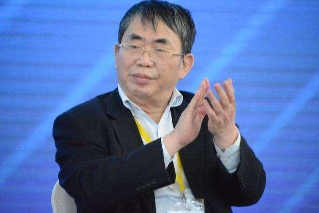 聂卫平大赞孙杨,指出观众席一片嘘声的原因,称1人能力达九段