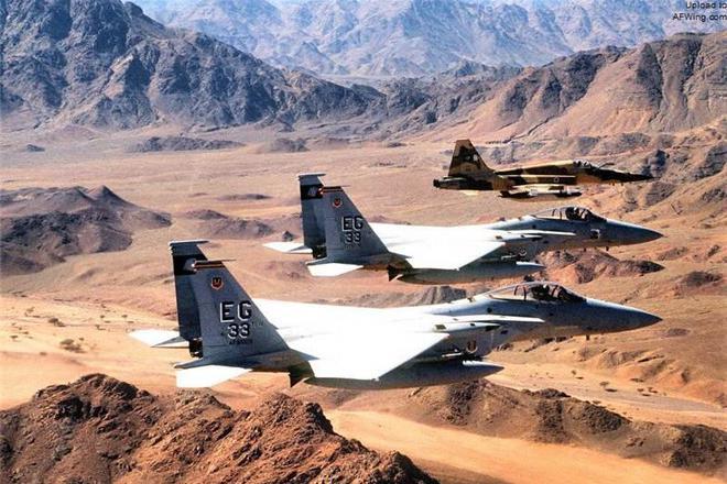 海湾战争时, 美军共投下80万枚3200吨贫铀弹,让众多美军患上肾病