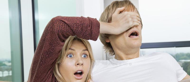 囧哥:女子将丈夫卖给小三