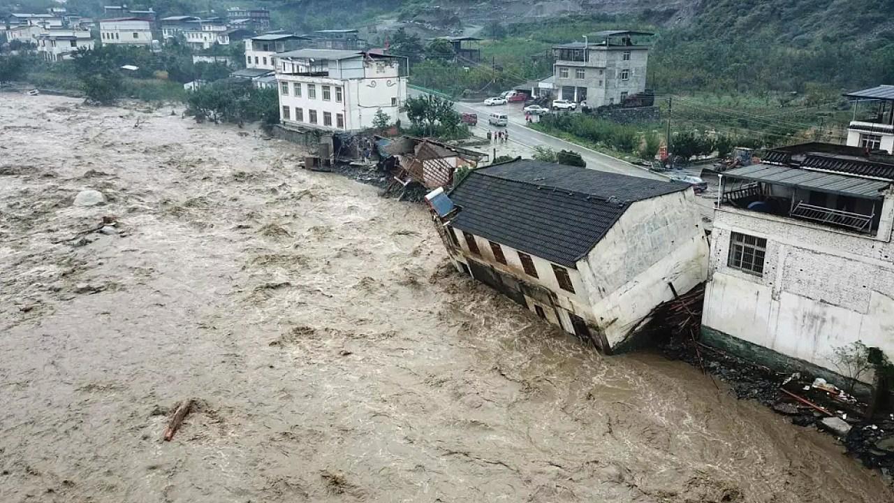 四川阿坝州暴雨灾害现场!已致7人遇难24人失联 有洪水淹没民房