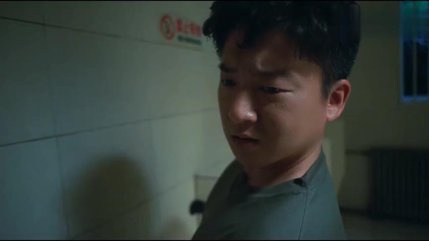 学警旋风加菲做噩梦尿床下铺的同学暴怒室友们狂笑