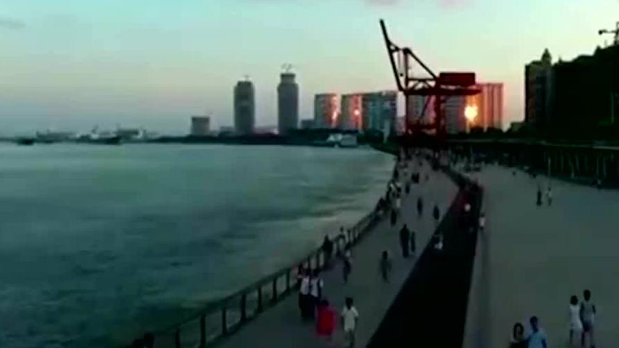 百亿富豪入籍中国,几乎买下香港整条街,自称:作为中国人很骄傲