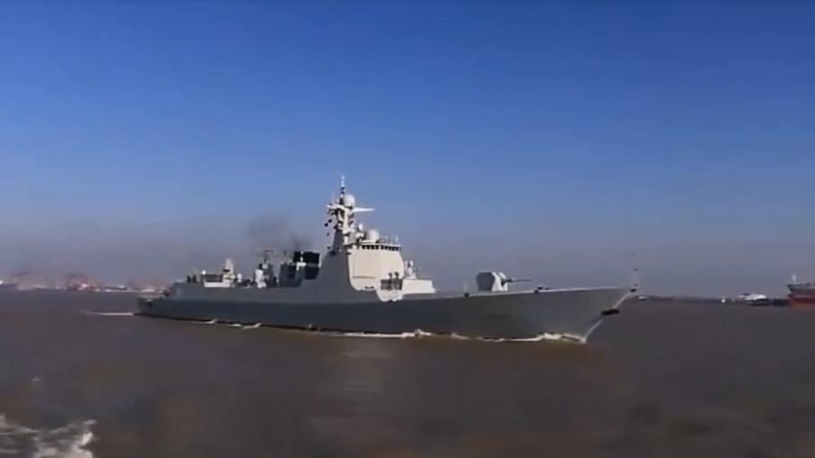 052D在中东打开神盾雷达,伊朗军方欣喜不已,美五代机清晰可见