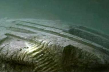 深海发现不明金属,与UFO外星人有关吗?