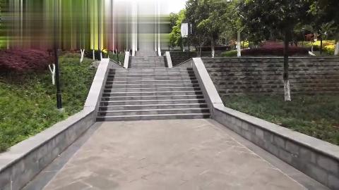 四川江油市为了给市民打造休闲场地,把曾经的荒山开辟为了公园!