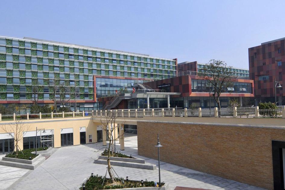 中外合作办学:宁波诺丁汉大学和西交利物浦大学哪个比较好?
